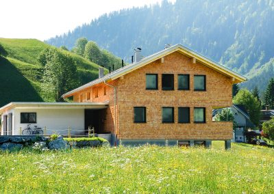 Muxel-Holzbautechnik_Wohnhaus-Holz-3-holzbau-technik-muxel-im-bregenzerwald